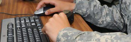 Soldat Hand am PC